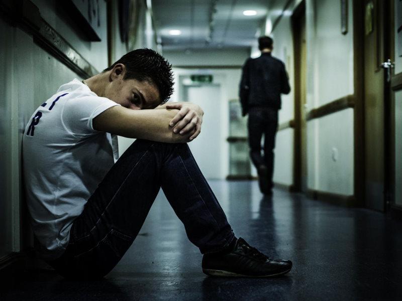 Рекомендації батькам щодо попередження суїцидальоної поведінки серед дітей